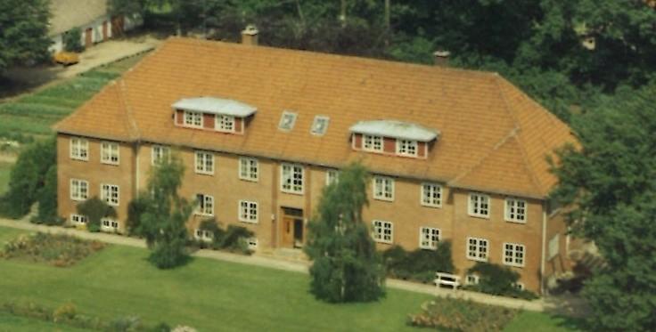 Hovedbygning før 83
